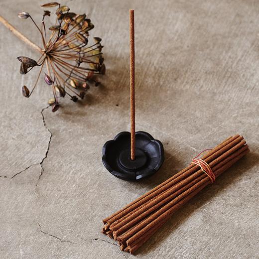 img_incense_520px.jpg